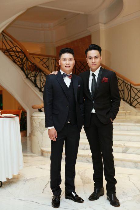 "A hau Huyen My toa sang tai Show thoi trang ""Man and Blue"" Phan Nguyen - Anh 5"