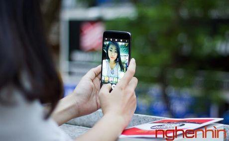 Tren tay Blackberry DTEK60: thiet ke khong moi nhung bong bay hon - Anh 15