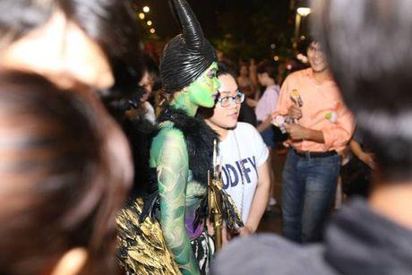 Su that ve dan chan dai gay nao loan TP.HCM dem Halloween toi qua - Anh 3