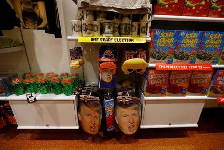 Ngai Trump phu song Halloween - Anh 4