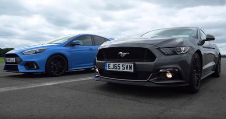 Xem man noi chien gay can giua Focus RS va Mustang GT - Anh 1