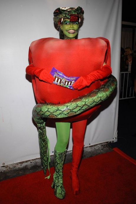 Qua tung ay nam, Heidi Klum van khong lam khan gia that vong voi nhung man hoa trang nay! - Anh 8