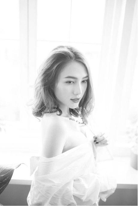 Fan 'dung ngoi khong yen' khi biet tin Le Ha tham du Victoria's Secret show - Anh 11