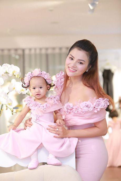 Vu Thu Phuong: 'Xa showbiz, toi thay bang long voi cuoc song hien tai' - Anh 3