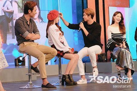 Sau tat ca, Kang Tae Oh da quy goi cau hon va noi 'anh yeu em' voi Nha Phuong - Anh 5