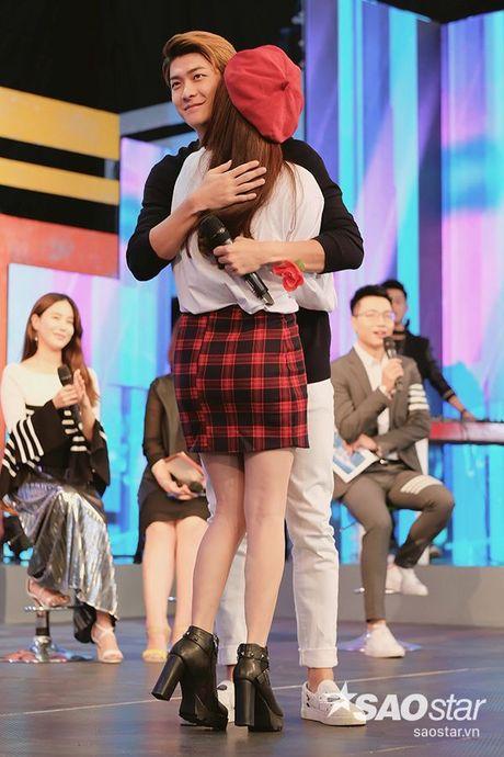 Sau tat ca, Kang Tae Oh da quy goi cau hon va noi 'anh yeu em' voi Nha Phuong - Anh 8