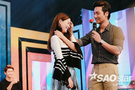 Sau tat ca, Kang Tae Oh da quy goi cau hon va noi 'anh yeu em' voi Nha Phuong - Anh 9