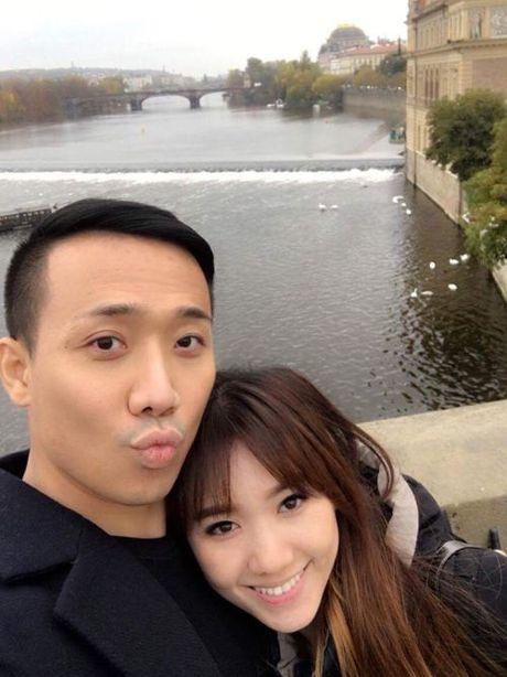 Dam cuoi cua Tran Thanh - Hari Won: Co gi ma xon xao den the? - Anh 2