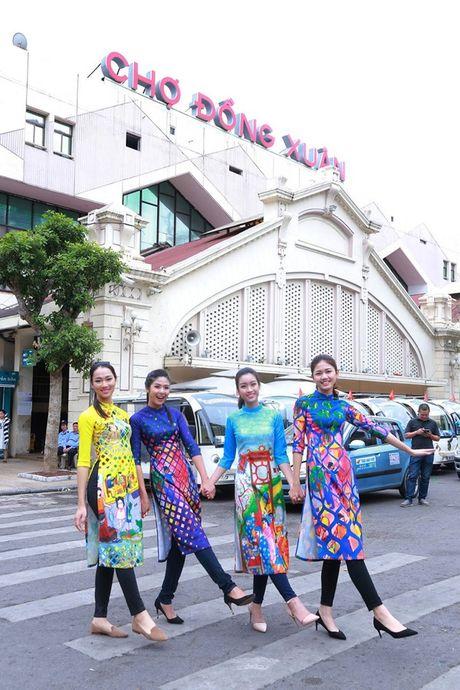 Dan hoa hau, a hau mac ao dai nhay flashmob tai Ho Guom - Anh 3