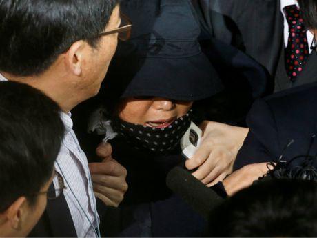 Ban than cua Tong thong Han Quoc den van phong cong to tra loi tham van - Anh 1