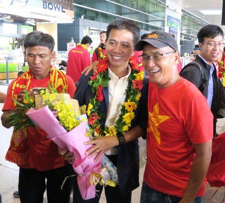 TP.HCM: Nong nhiet don doi tuyen U19 ve nuoc - Anh 10
