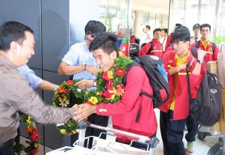 TP.HCM: Nong nhiet don doi tuyen U19 ve nuoc - Anh 4