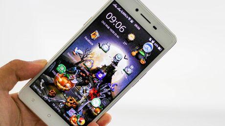 Cach hoa trang smartphone kinh di mua Halloween - Anh 1
