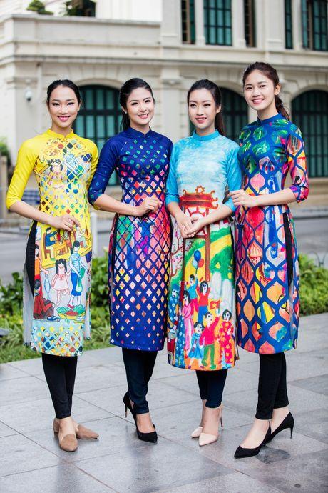 Hoa hau, a hau Viet Nam dien ao dai nhay flashmob - Anh 1
