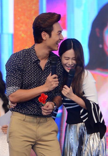 Kang Tae Oh bi ep cau hon Nha Phuong - Anh 12