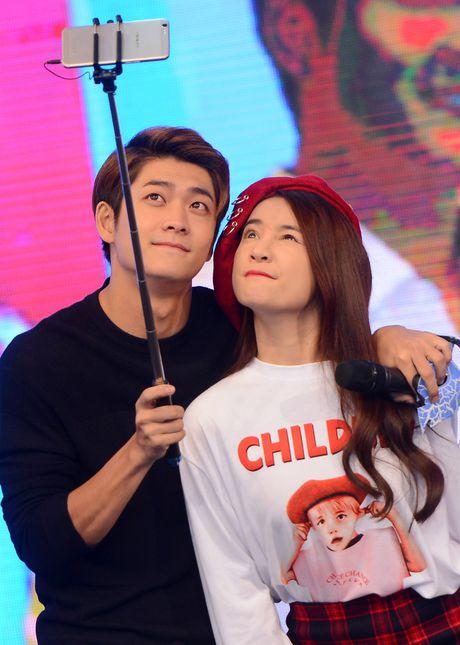 Kang Tae Oh bi ep cau hon Nha Phuong - Anh 3