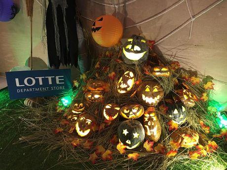Hoat dong hap dan tai Lotte Department Store dip Halloween - Anh 1