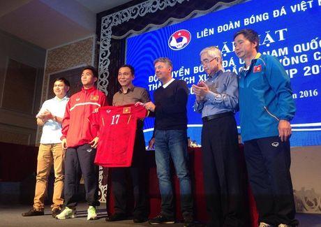 Bau Hien xuc dong, U19 Viet Nam 'am' them 1 ty dong - Anh 1