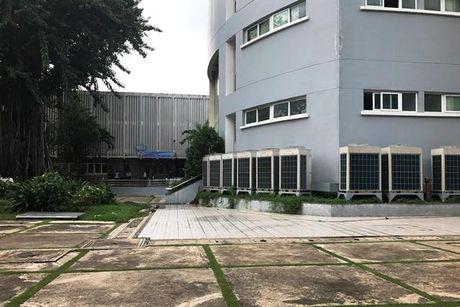 Nam sinh vien roi lau Truong DH Y duoc TP.HCM - Anh 1