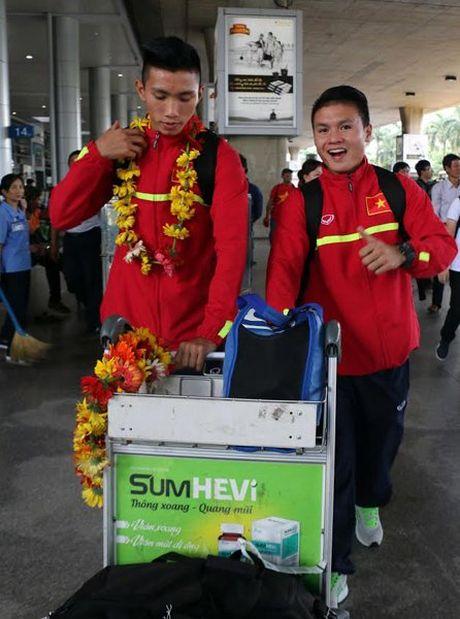 Khong du mung cong, Quang Hai, Van Hau 'chia tay' U19 Viet Nam - Anh 1