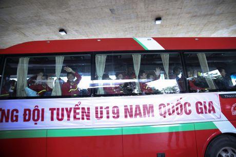 U19 Viet Nam nhan thuong ky luc 2,3 ty - Anh 12