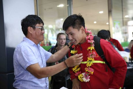 U19 Viet Nam nhan thuong ky luc 2,3 ty - Anh 2