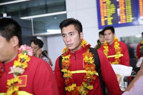 U19 Viet Nam nhan thuong ky luc 2,3 ty - Anh 3