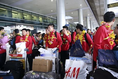 U19 Viet Nam nhan thuong ky luc 2,3 ty - Anh 7