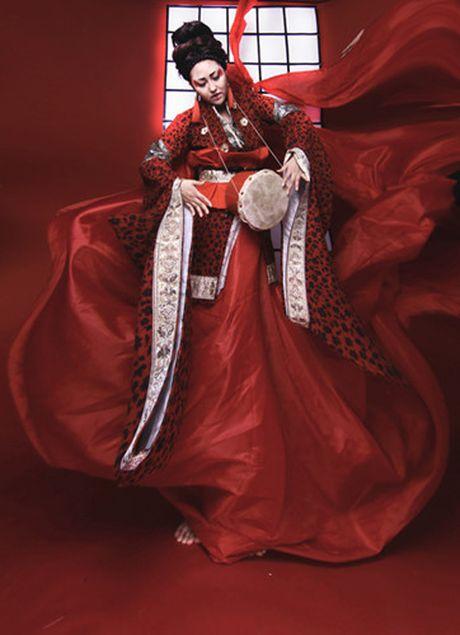 Man hoa trang 'rung ron' cua sao Viet trong dip Halloween 2016 - Anh 8