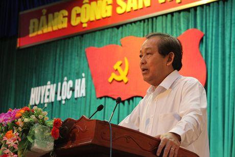 PTT Truong Hoa Binh kiem tra cong tac boi thuong cho ngu dan - Anh 1