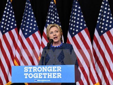 Uu the dan truoc cua ba Clinton giam nhe sau cong bo cua FBI - Anh 1