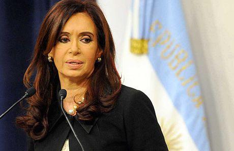 Cuu Tong thong Argentina Cristina Fernandez 'to' bi dan ap chinh tri - Anh 1