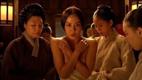 Khan gia 'tuc mat' vi loat canh tao bao cua 4 my nhan Han - Anh 14