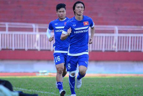 DIEM TIN TOI (1.11): DT Viet Nam nhan tin du ve Tuan Anh - Anh 1