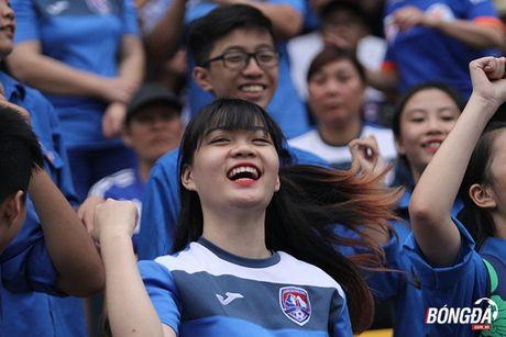 Fan nu 'dot lua' khan dai san Cam Pha - Anh 3