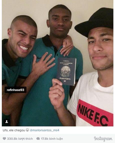 Quen ho chieu, tan binh Marlon Santos bi Neymar lam 'be mat' tren mang xa hoi - Anh 2
