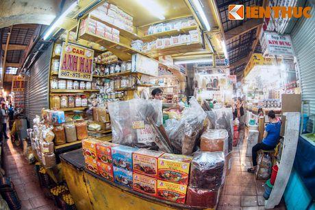 Kham pha ngoi cho co noi tieng nhat Sai Gon - Anh 16