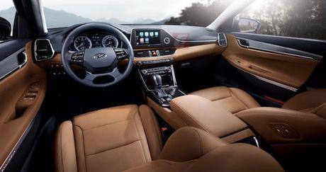 Hyundai he lo sedan hang trung Azera moi 'dau' Lexus ES - Anh 4