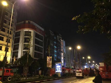 Vu chay quan karaoke o Tran Thai Tong: 12 nguoi tu vong - Anh 8
