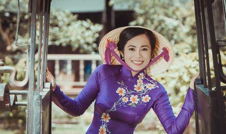 Dien vien Dan Thy: Doa hoa lac giua dong showbiz - Anh 1