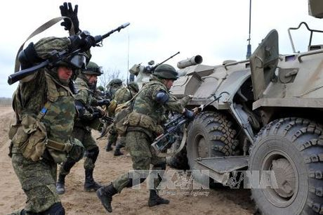 NATO, Nga tap tran song song o vung Balkan - Anh 1
