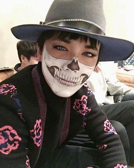 Sao Han 1/11: G-Dragon boi mat den xi doa ma, Hyo Rin vo tu de lo tran rong - Anh 3