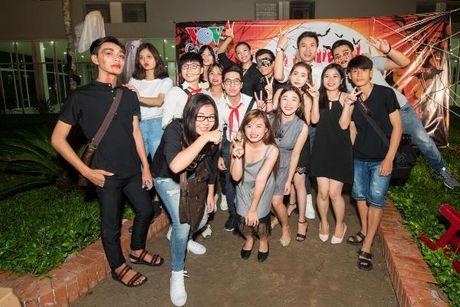 Khanh Ngan The Face 'chay' het minh trong tour 'Hoa chung nhip dap' - Anh 7