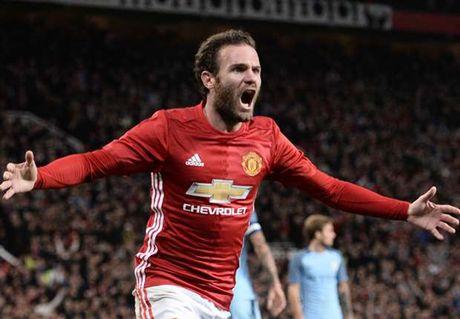 Mata: Gia dinh toi da lo so khi Mourinho toi Man United - Anh 1