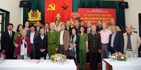 Khanh thanh Bieu tuong Dai tuong niem anh hung liet si CAND - Anh 1