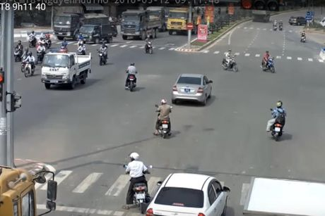 Da Nang bat dau phat nguoi vi pham giao thong qua camera - Anh 1