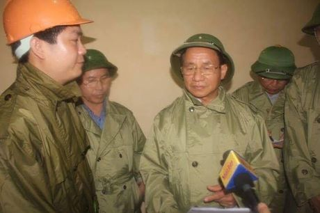 Thuy dien Ho Ho lai bat ngo xa lu luu luong lon trong dem - Anh 1