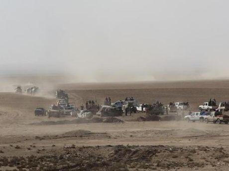 Quan doi Iraq da tien vao thanh pho Mosul - Anh 1