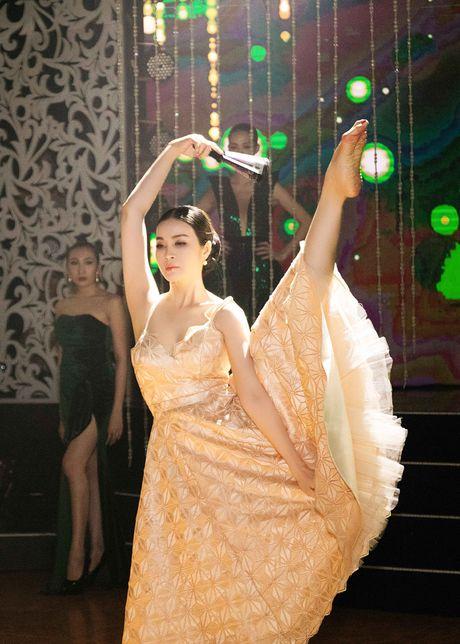 Mai mua quat, Thanh Mai vo tinh ho 'go bong dao' - Anh 1