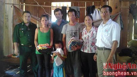 Nu can bo 'cai bang' o long ho Ban Ve - Anh 2